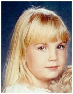 "Heather O'Rourke (27/12/75 - 1/2/88)           Age: 12 (Cardiac Arrest)                                     Became famous for starring in the              movie ""Poltergeist""."