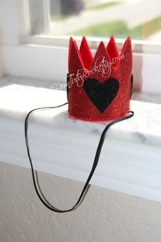 Queen of Hearts Crown // Alice in Wonderland Crown by BornTuTuRock