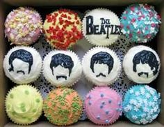 Just in case anyone wants Beatle's cupcakes! Beatles Birthday, Beatles Party, Bolo Dos Beatles, Beatles Cake, The Beatles, Fun Cupcakes, Cupcake Cakes, Cupcake Ideas, Birthday Cupcakes