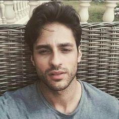 Turkish Beauty, Male Man, Turkish Actors, Celebs, Celebrities, Videos Funny, Pretty Face, Hot Guys, Hot Men