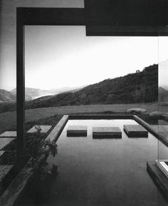 ARTIST:  Julius ShulmanTITLE: Singleton House(Richard Neutra, architect)DATE:  1960MEDIUM:  recent gelatin silver printSIZE:  h: 20 x w: 16 in