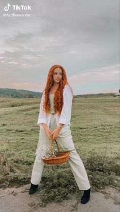 Red Hair Inspo, Curly Hair Styles, Natural Hair Styles, Red Curls, Ginger Girls, Beautiful Redhead, Ginger Hair, Photography Women, Woman Face
