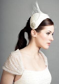 Couture Milliner Rachel Trevor-Morgan offers beautiful modern bridal headdresses, fascinators and birdcage Veils Feather Headpiece, Bridal Headdress, Bridal Headpieces, Fascinators, Wedding Shawl, Wedding Veil, Wedding Gowns, Rachel Trevor Morgan, Royal Clothing