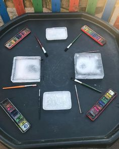 Today's tuff tray - ice painting ❄️🎨 Eyfs Activities, Winter Activities, Preschool Activities, Indoor Activities, Family Activities, Tuff Spot, Toddler Learning, Early Learning, Toddler Games