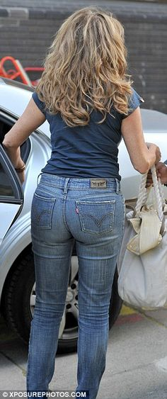 Carol Vorderman is still a LASHER - Peoples Republic Of Cork Discussion Forums Sexy Jeans, Curvy Jeans, Denim Skinny Jeans, Carol Vordeman, Famous Girls, Girls Jeans, Farmer, Sexy Women, Pants For Women