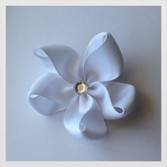 White flower hair bow by WowHairBows on Etsy, $3.00