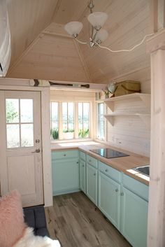 Amazing Tiny House Small Kitchen Ideas – Page 30 of 57 Amazing Tiny House Kleine Küchenideen – Seite … Home, Small Tiny House, Small Room Design, Small Kitchen, House, Tiny Cottage, Shed Homes