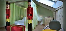 A Milano, nel cuore della città, si erge sontuoso l'Hotel Château Monfort, struttura in stile Liberty che ospita un albergo di lusso a 5 stelle. Soggiornare in una delle sue Suite equivale a imm