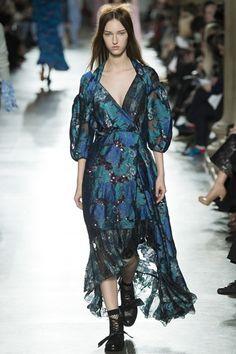 Sfilata Preen by Thornton Bregazzi Londra - Collezioni Autunno Inverno 2016-17 - Vogue