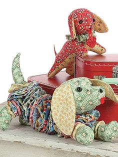 These adorable dachshunds come in two different designs and can be sewn using your favorite fun fabrics. The yo-yo dog is made using Clover's Jumbo and Lar
