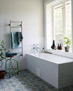 """508 likerklikk, 31 kommentarer – @villabjorkviken på Instagram: """"Hur skoj är det inte när badrummet i reportaget i sprillans nya numret av @alltihemmet är just…"""""""