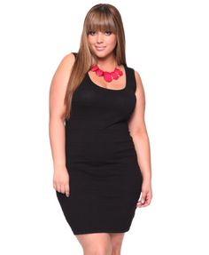 Plus size LBD that looks cute and not frumpy? Sign me up. And LOVE the pop of pink Plus Size Chic, Curvy Plus Size, Plus Size Girls, Plus Size Women, Plus Size Black Dresses, Simple Dresses, Plus Size Dresses, Plus Size Outfits, Curvy Women Outfits