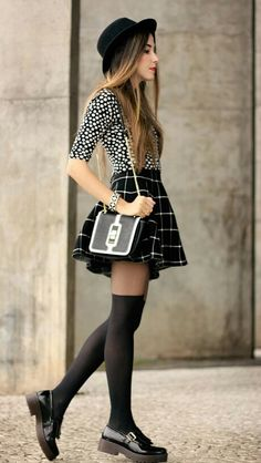dea34cde0ef FashionCoolture - look du jour Black and white outfit polka dots top plaid  skirt. Collants CouleurCollants ChaussettesChaussettes HautesCollants ...