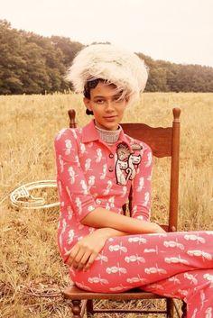 : #Lisa Houghton  #Dennis Gots  #Anna Trevelyan  #Laurie Bartley  #Binx Walton  #October 2017  #W Korea  #Daydreaming  #fashion  #fashionspot  #mod  #moide  #moda  #model  #mdoels  #editorial  #magazine  #cover