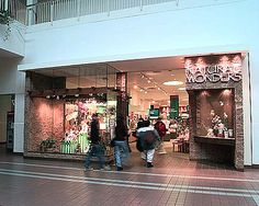 Anyone remember Natural Wonders? I know the Dayton Mall and Fairfield Commons had these stores back in the day. The Ground Round, King Of Prussia Mall, Lake Grove, Love The 90s, Mall Stores, Old Building, Cool Photos, Interesting Photos, Old Skool