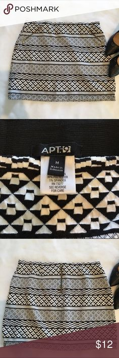 Apt. 9 Aztec Pattern Mini Skirt Black and white Aztec pattern mini skirt by Apt. 9.  Gold pocket and back zipper accents.  Size medium.  Excellent condition! Apt. 9 Skirts Mini
