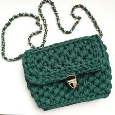 Изумрудная вязаная сумка из трикотажной пряжи ( crochet bag, bolso de trapillo, t-shirt yarn)