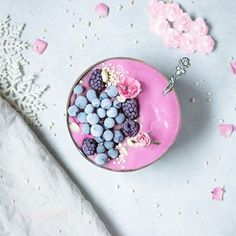 - The GORGEOUS Laura of created this pretty lil' Vanilla + Berry smoothie bowl. Smoothie Bowl, Smoothies, So Creative, Chia Pudding, Food Coloring, Acai Bowl, Lush, Berry, Bowls