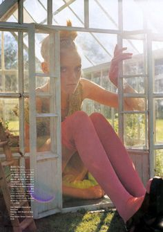 EDITORIAL: Garden Party MAGAZINE: Vogue Nippon PHOTOGRAPHER: Tim Walker 2007
