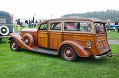 1934 Pierce-Arrow 836A Cantrell Station Wagon -  Owner Mark Smith Melvin Village, New Hampshire Won the Ansel Adams award