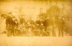 Imperador Pedro II, membros da família imperial e outros em Paris [1889].