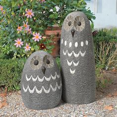 What a hoot! Our absolutely adorable, matching set of outdoor owls will ogle amorously, flirtatiously or impertinently while adding charm and wisdom from the perch of your choosing Place our feathered