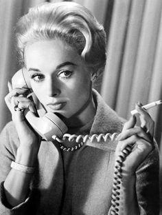 Hitchcock : le gout des actrices blondes Tippi Hedren, l'oiseau en cage Alfred Hitchcock, Hitchcock Film, Vintage Hollywood, Hollywood Glamour, Hollywood Stars, Classic Hollywood, Tippi Hedren, Divas, Sean Connery