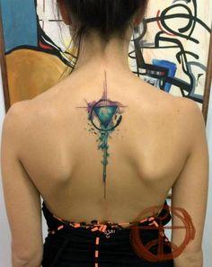 Rücken Abstrakt Tattoo von Galata Tattoo