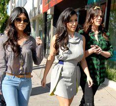 kourtney kardashian- blue jeans & tan belt
