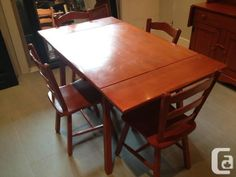 Vilas Red Maple Table With 4 Chairs