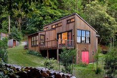 Amazing doesn't have to be huge - this house is BIG on charm and under 900 sq ft.