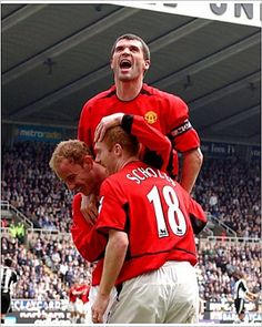 Newcastle United Manchester United - Paul Scholes celebrates his third goal with Photographic Print - 5480 - Manchester United