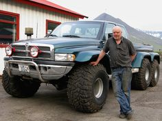6x6 Dodge Ram with 420 horse from Iceland
