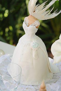 Mesa de bodas con burbujas nacaradas en gelatina