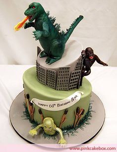 Classic Monsters Birthday Cake (WIN!) Fancy Cakes, Cute Cakes, Godzilla Birthday Party, Godzilla Party, Pastries Images, Monster Birthday Cakes, Pink Cake Box, Movie Cakes, Classic Monsters