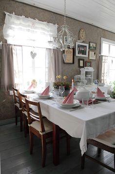 tupa,ruokaryhmä,talonpoikaiskalusteet,kirpputorilöytö,keittiö,mökki