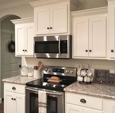 Choosing New Kitchen Cabinets If You Are Kitchen Remodeling Home Decor Kitchen, Kitchen Remodel, Kitchen Decor, New Kitchen, Kitchen Dining Room, Kitchen Redo, Home Kitchens, Kitchen Renovation, Kitchen Design