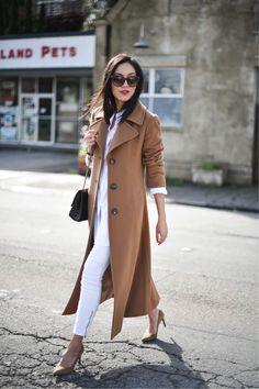 O tema de hoje é sobre um item indispensável do guarda-roupa feminino: o casaco camelo. É uma peça por vezes esquecida, mas tão importante e básica quanto uma camisa branca. Pra quem ainda não tem um bom casaco no armário, aconselho começar por esta cor. Normalmente as pessoas preferem investir no preto, mas o camelo Continue lendo