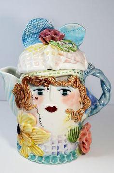 Bella Casa porcelain teapot by Ganz Garden Girls by Ellen Williams Tea For One, My Tea, Teapots Unique, Garden Styles, Drinking Tea, Hot Chocolate, Tea Time, Tea Party, Tea Cups