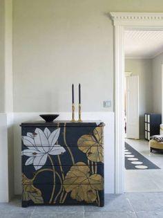 Paint an old dresser uniquely..cool!