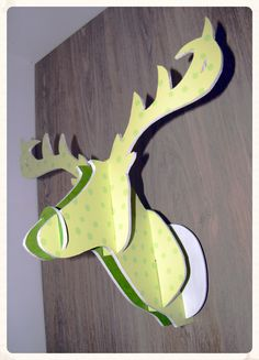 Tutoriel : Fabriquer son trophée cerf DIY - [dd] créations Diy Trophy, Diy Paper, Paper Crafts, Origami And Kirigami, Creation Deco, Yule, Paper Cutting, Reindeer, Pop Art