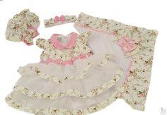 Saída de Maternidade Personalizada - TN Coleções http://www.tncolecoes.com.br/saida-de-maternidade-floral-paloma-voil-3-babados-luxo PERSONALIZADA COM O NOME DO BEBE!