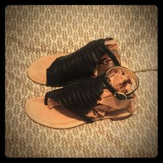 Sz 6 Black leather Farylrobin sandals. Gently worn Size 6 but marked 7, black leather uppers and sole. Gently worn and well cared for. Very minor wear to insole, minor scuffs to sole. Some marks to cream colored inside leather at buckle area does not show when worn. Buttery soft and comfy. No creasing on straps at buckle. Insanely cute scalloped edge detailing on outer edge of uppers. Purchased from boutique in Las Vegas Caesar shops.❤️Offers and ❤️questions always welcome❣ Farylrobin Shoes…