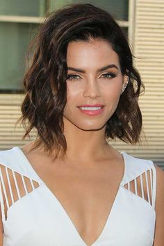 40 pretty bob and lob haircut inspiration pictures to take with you to your next salon appointment: Jenna Dewan-Tatum Modern Bob Hairstyles, Classy Hairstyles, Long Bob Haircuts, 2015 Hairstyles, Woman Hairstyles, Trendy Haircuts, Medium Hairstyles, Celebrity Bobs, Celebrity Haircuts