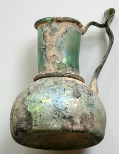 ANCIENT ROMAN GLASS - JUG WITH DECORATIVE THREAD ON RIM AND BASE 4TH CENTURY