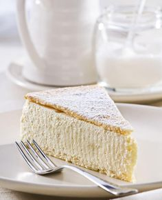 Cheesecake is op zich al hemels, maar voeg daar nog eens witte chocolade aan toe en je hebt - zo zouden onze zuiderburen zeggen - een bommeke van formaat.
