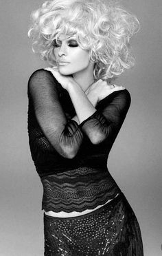 Pamela Anderson - Full Size - Page 5