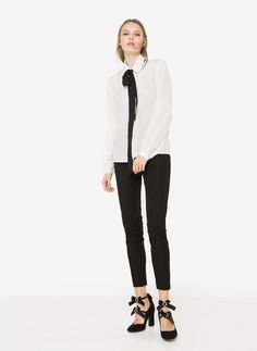 Рубашка из шелка с рукавами со сборкой по низу - Рубашки и блузы - Одежда - Uterqüe Russia