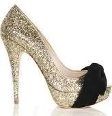 Got to love a sparkly shoe!!!
