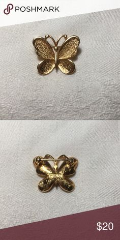 Vintage Sarah Coventry Butterfly Brooch Vintage Sarah Coventry Butterfly Brooch is gold toned. Signed ©Sarah. Sarah Coventry Jewelry Brooches